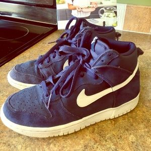 Nike high top air force ones • youth • navy